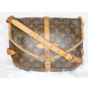 •Authentic Louis Vuitton Saumur 30•
